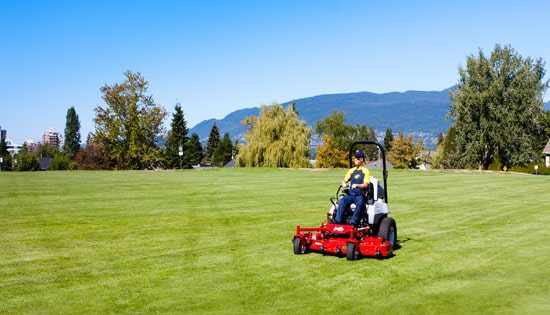 Professional commercial lawn care maintenance service for Commercial lawn maintenance